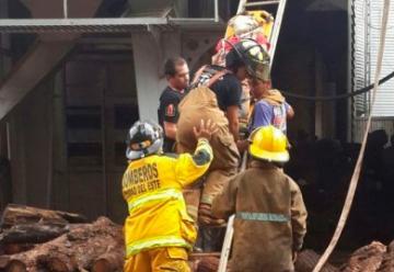 Tres bomberos mueren en un silo en Paraguay