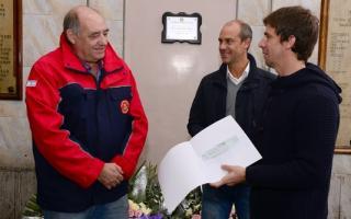 El municipio donó 1 millón de pesos a los Bomberos Voluntarios de San Fernando