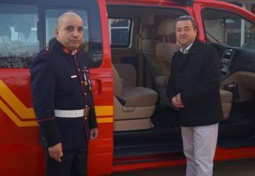 Bomberos de Población recibe un nuevo vehículo de transporte