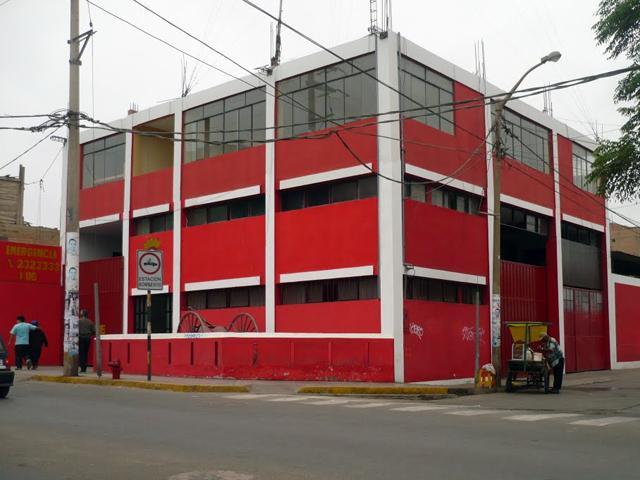 Huacho: la unidad de rescate de los bomberos casi se incendia en pleno traslado de herido