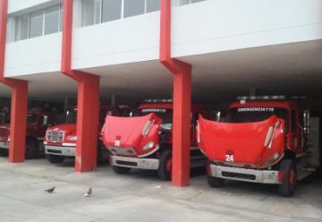 Solo 3 máquinas de bomberos sirven para atender emergencias en Barranquilla
