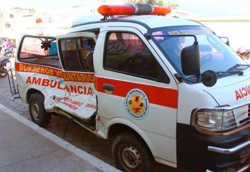 Ambulancia de la Compañía de Bomberos Voluntarios de la Esperanza sufre accidente