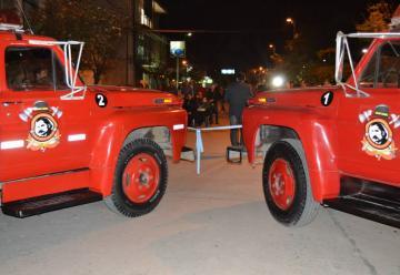 Bomberos Voluntarios de Sáenz Peña presentaron dos autobombas