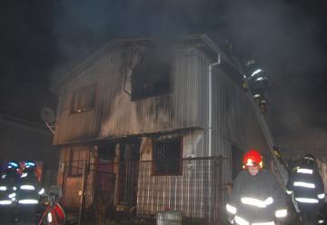 Cuatro bomberos resultaron heridos en un incendio en Río Negro