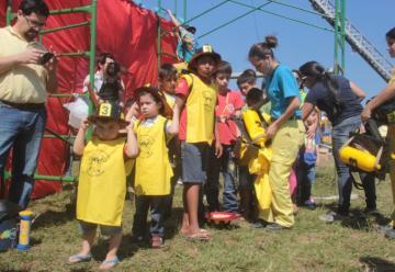 """Cientos de niños participaron de """"Bomberos por un día"""""""