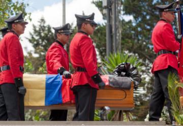 Muere un tercer bombero que combatía incendio en Puembo