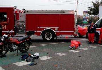 Motociclista murió tras chocar contra ambulancia de los Bomberos