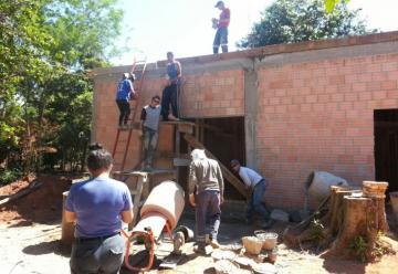Bomberos de Ypané construyen su propio cuartel