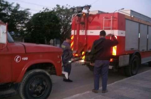 Bomberos de Escobar se llevaron un camión por falta de pago