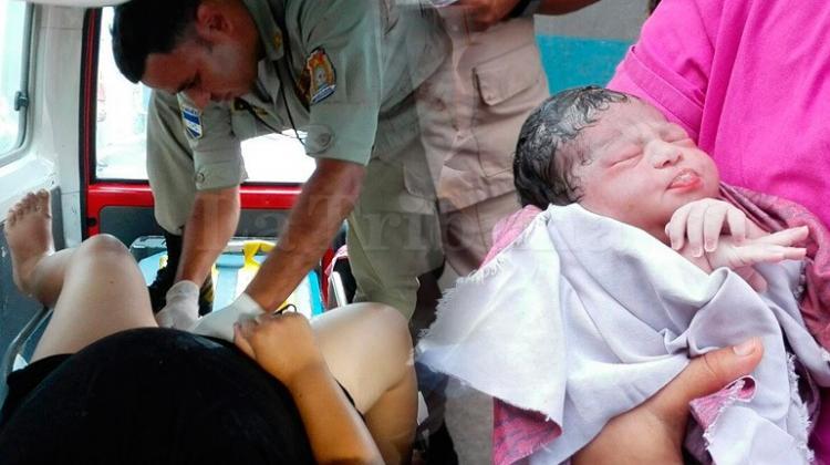 Mujer da a luz en ambulancia del Cuerpo de Bomberos en Tegucigalpa