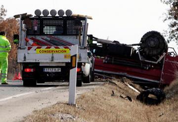 Vuelca el camión de bomberos de Duruelo a la altura de Toledillo