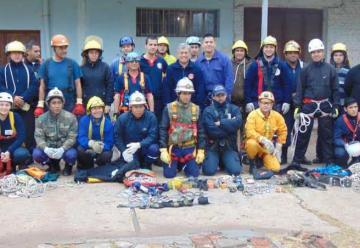 Bomberos de Chaco se capacitaron en rescate con cuerdas