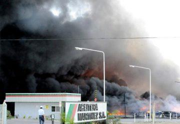 Un incendio destruyó totalmente una aceitera en San Jerónimo Sud