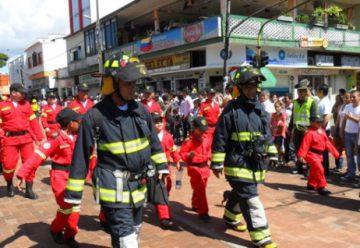 Bomberos de El Doncello entraron en cese de actividades