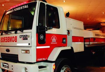 Nueva autobomba para incendios forestales en Sunchales