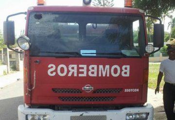 Ponen en servicios camión de bomberos en Montecristi