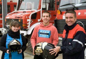 Navarra dona 40 cascos a los bomberos de Tegucigalpa