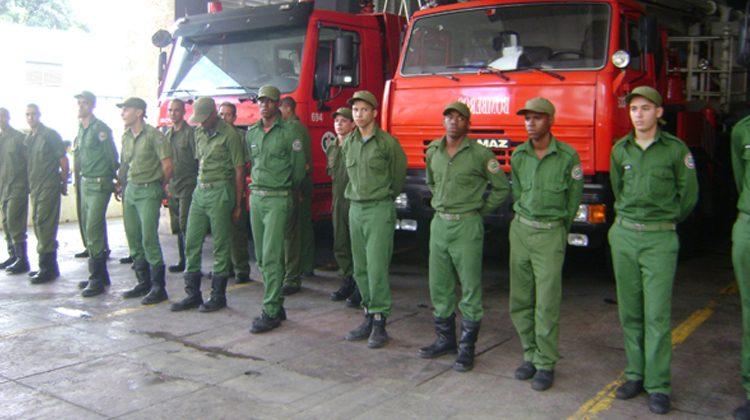 Rinden homenaje a bomberos cubanos