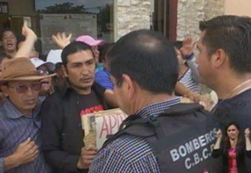 Protestas por la salida del jefe del Cuerpo de Bomberos del cantón Rumiñahui