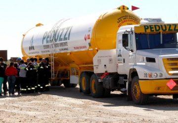 Bomberos de Temuco se capacitaron sobre emergencias por transporte de gas