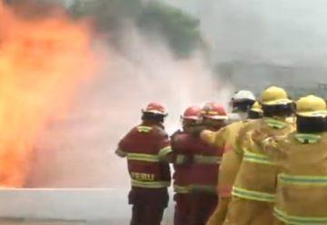 Mujer bombero terminó con quemaduras en demostración