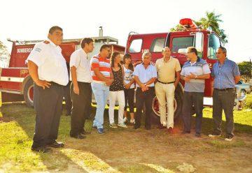 Bomberos Voluntarios de Fontana recibió una unidad autobomba