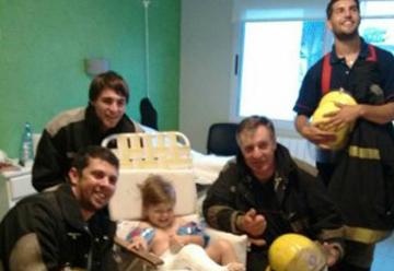 Los bomberos magos visitaron el Hospital