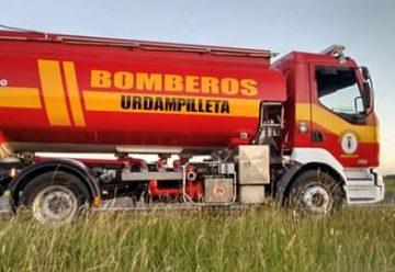 Llegó el nuevo camión cisterna para el Cuartel de Urdampilleta