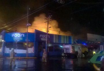 Voraz incendio afectó tienda de ropas