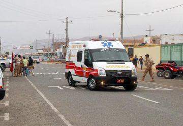 Entregan ambulancia tipo II a Compañía de Bomberos de Tarata