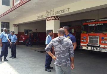 Bomberos de Colón se declaran en huelga de brazos caídos
