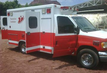 Sujeto roba ambulancia de los bomberos en Tequisquiapan