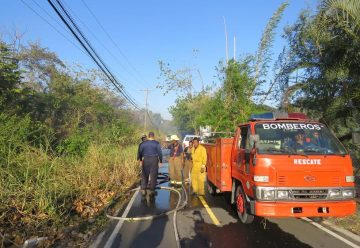 Ocho bomberos lesionados tras labor de apagar incendios