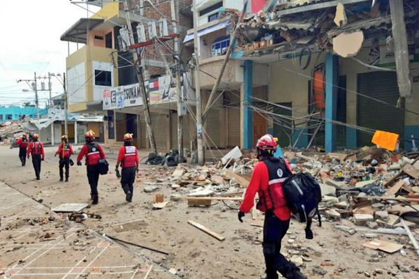 Bolivia y El Salvador envían contingente a Ecuador