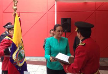Bomberos de Quito y Manta recibieron condecoración