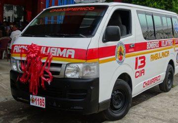 13cía. de Bomberos Voluntarios de Champeríco recibio una ambulancia
