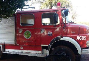 Municipio Cambyreteno dona un camion a bomberos