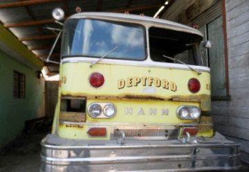 Camión y cuartel de bomberos en Luperón se caen a pedazos