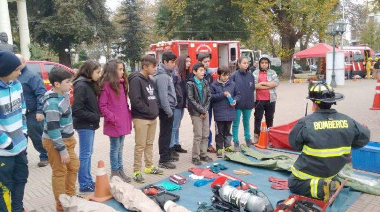 Primera Muestra de Material de Bomberos de Linares