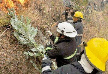 Los bomberos necesitan renovar todos sus equipos