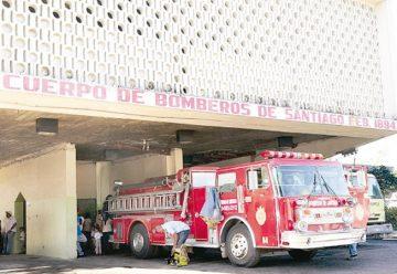 Bomberos de Santiago solicitan camiones cisternas