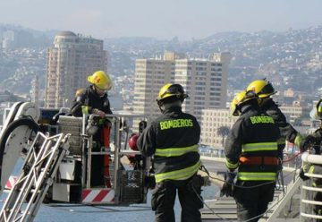 Bomberos de Valparaíso realizósimulacro de emergencia