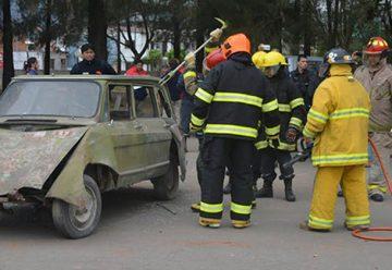 Bomberos voluntarios recibieron capacitación sobre rescate vehicular