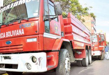 Gobernación repara con colecta 2 carros de bomberos