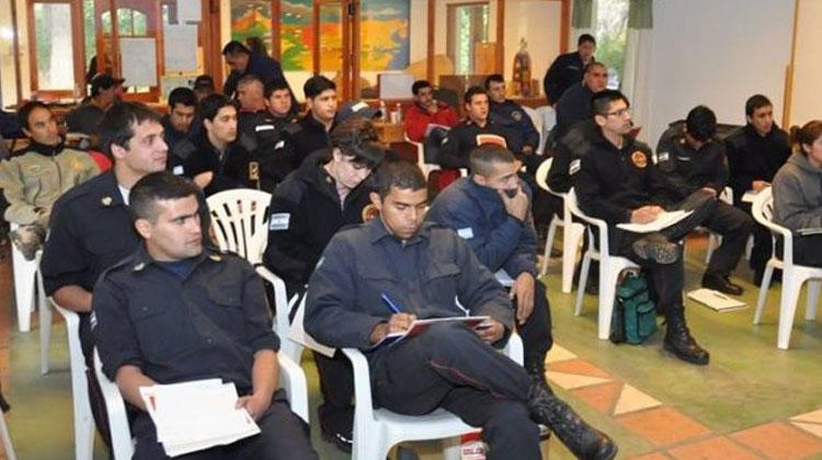 Capacitaron a bomberos de todo Chubut en Incendios Forestales
