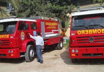 Bomberos recibirán 3 camiones contra incendios