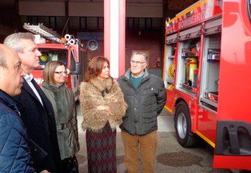 Los bomberos reciben un nuevo coche bomba