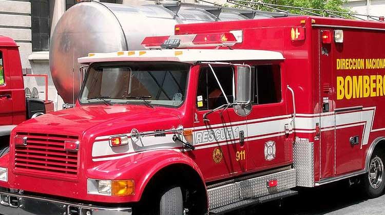 Capacitan a bomberos en búsqueda y rescate durante derrumbes