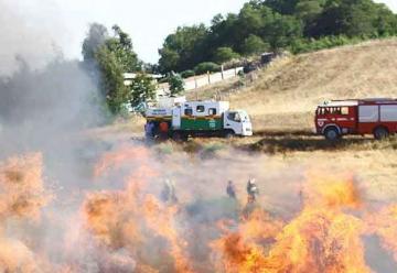 Incendio forestal puso en peligro a casas en Labranza