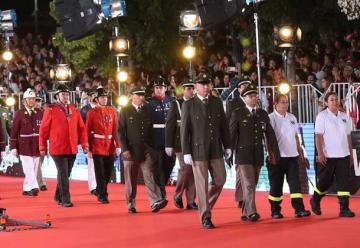 Emotivo homenaje a Bomberos en la Gala del Festival de Viña